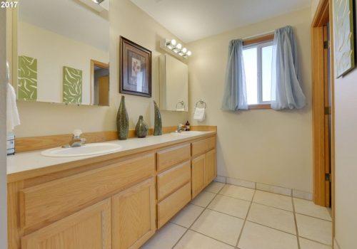 Bedroom 1-3 Bathroom
